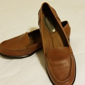 Brown hush puppies loafer